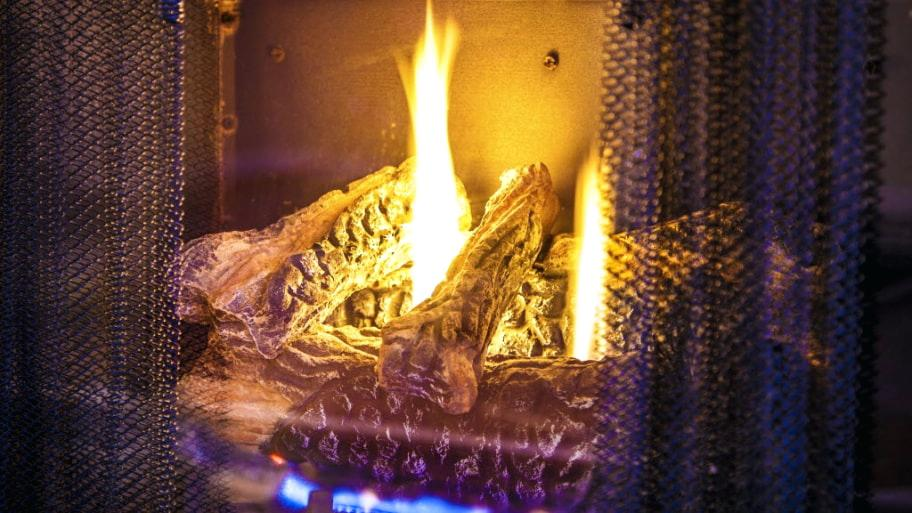 Gas Logs Won T Light Fireplace With Fire Burning Troubleshooting Pilot